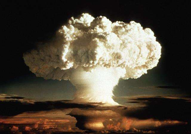 دانلود تحقیق بمب نوترونی